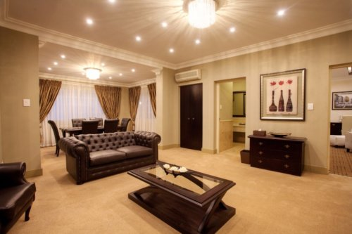 Presidential Lounge & Dining